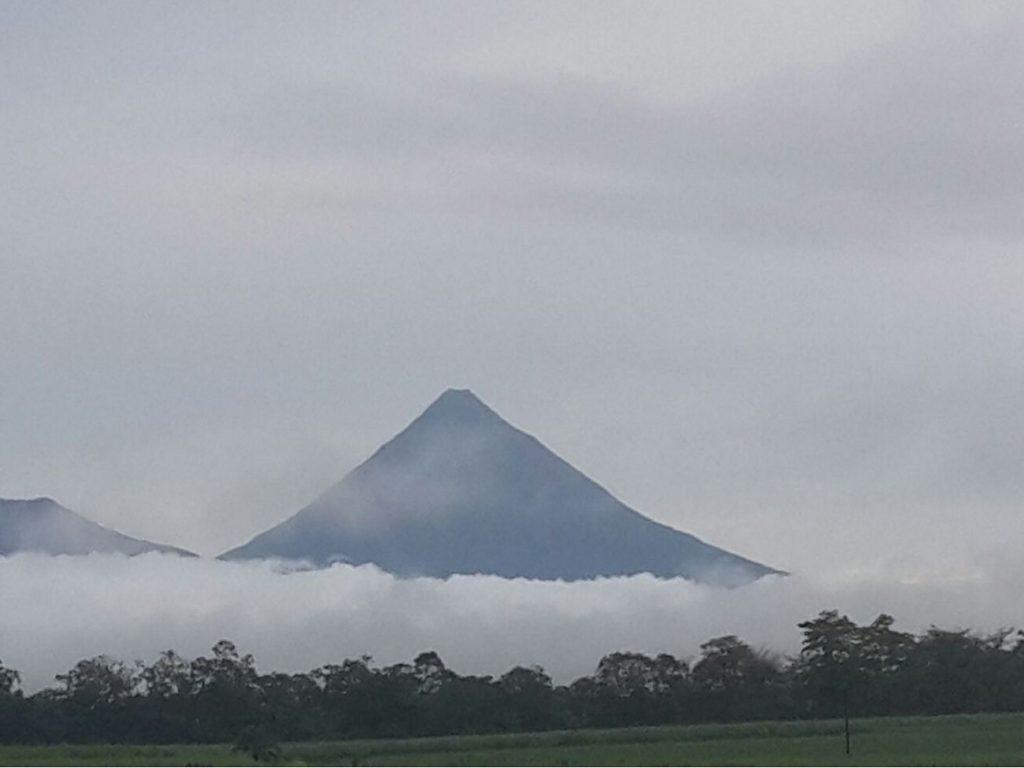 El volcán en Arenal, Costa Rica