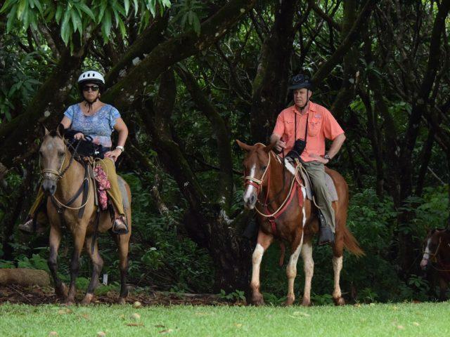 Verónica & Asaf horse riding in Punta Islita