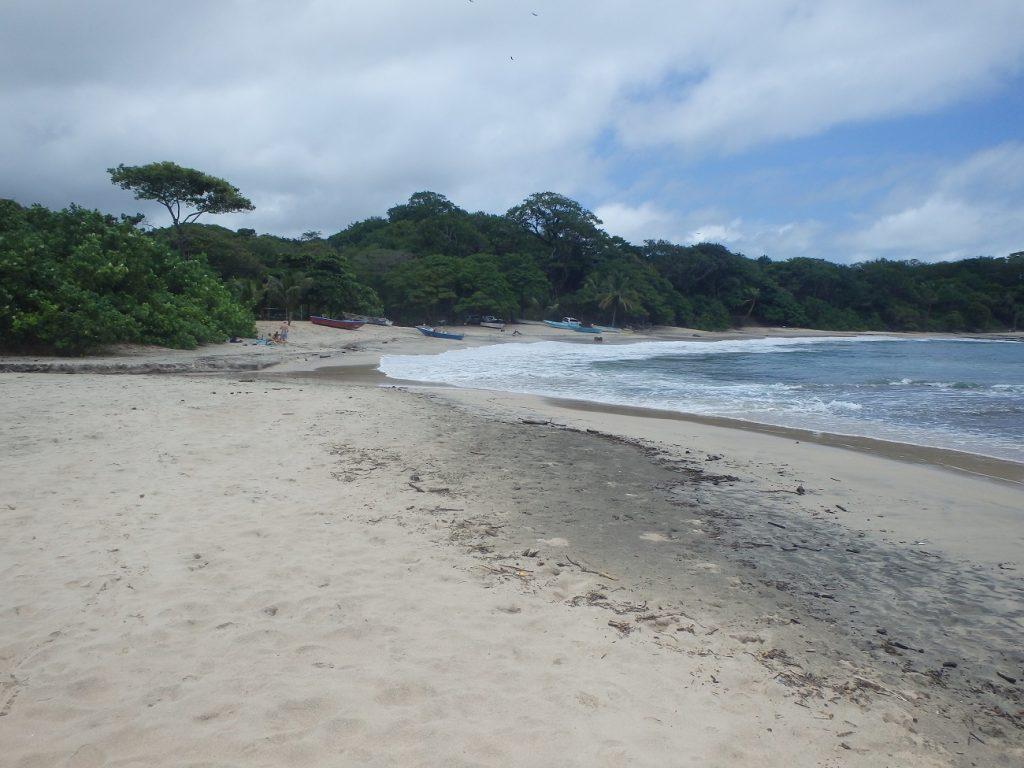 אחד מחופי הגלישה המפורסמים שבנוסארה קוסטה ריקה