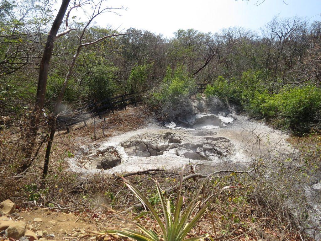 בריכות הבוץ המבעבעות ברינקון דה לה ויאחה קוסטה ריקה