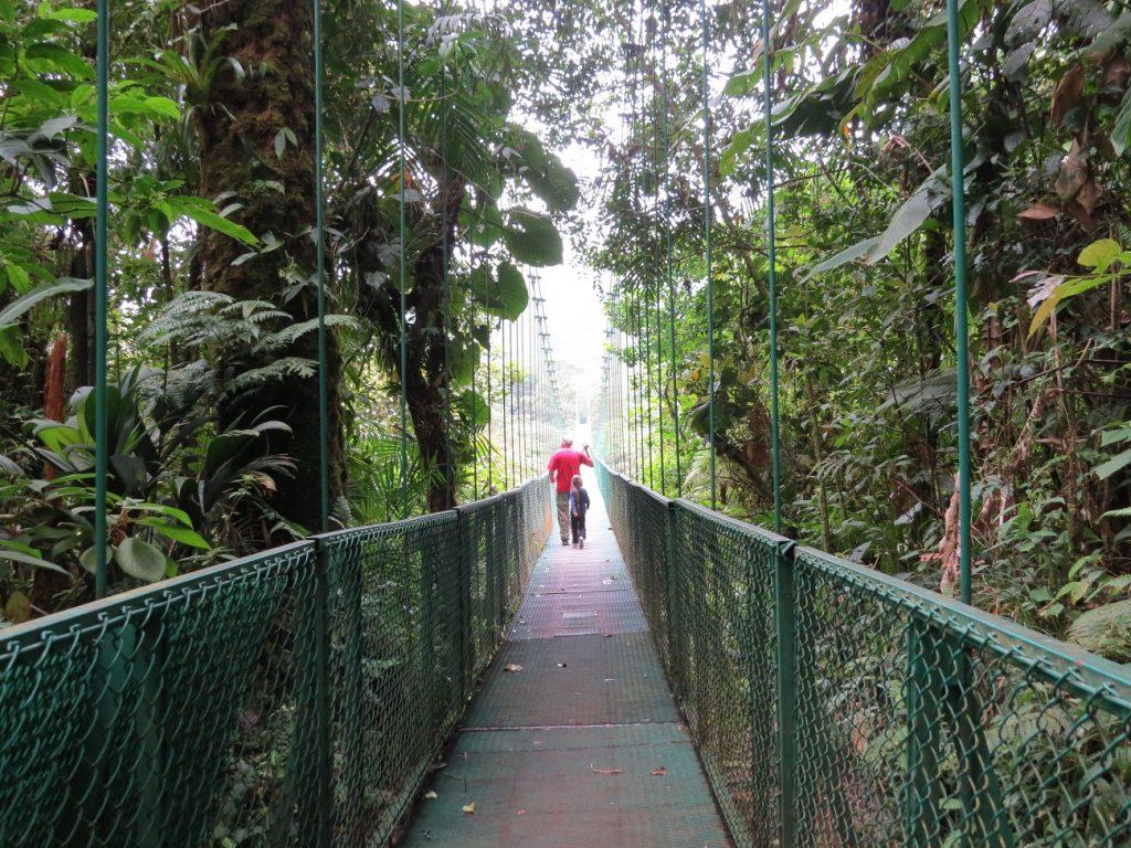 גשרים תלויים, חוויה מאוד יחודית בקוסטה ריקה
