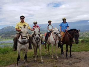 רכיבה על סוסים בקוסטה ריקה