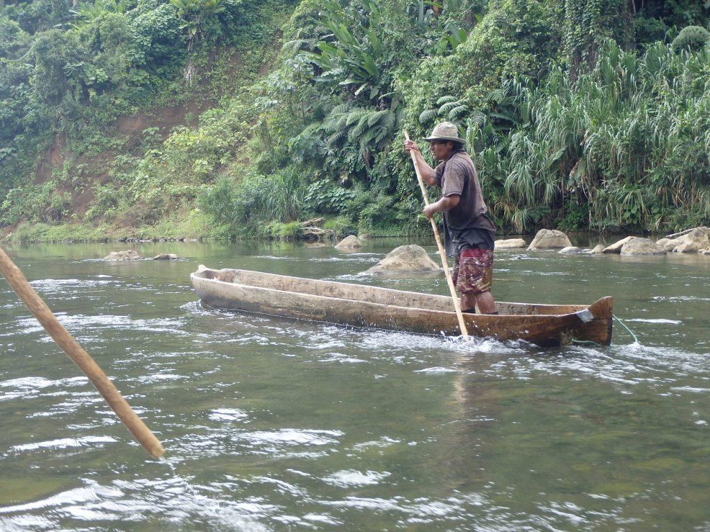 שיט בנהר יורקין שליד פוארטו ויאחו קוסטה ריקה